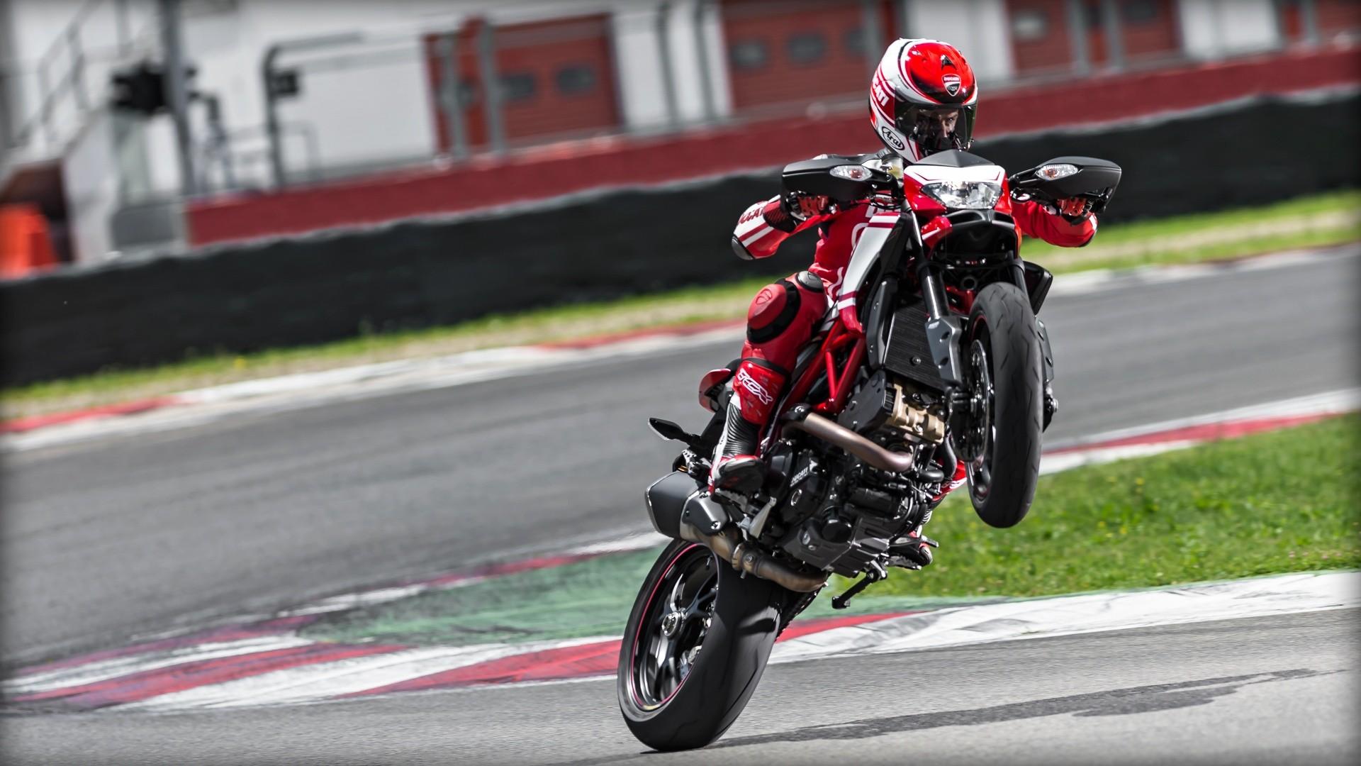 Ducati Hypermotard  Sp Video