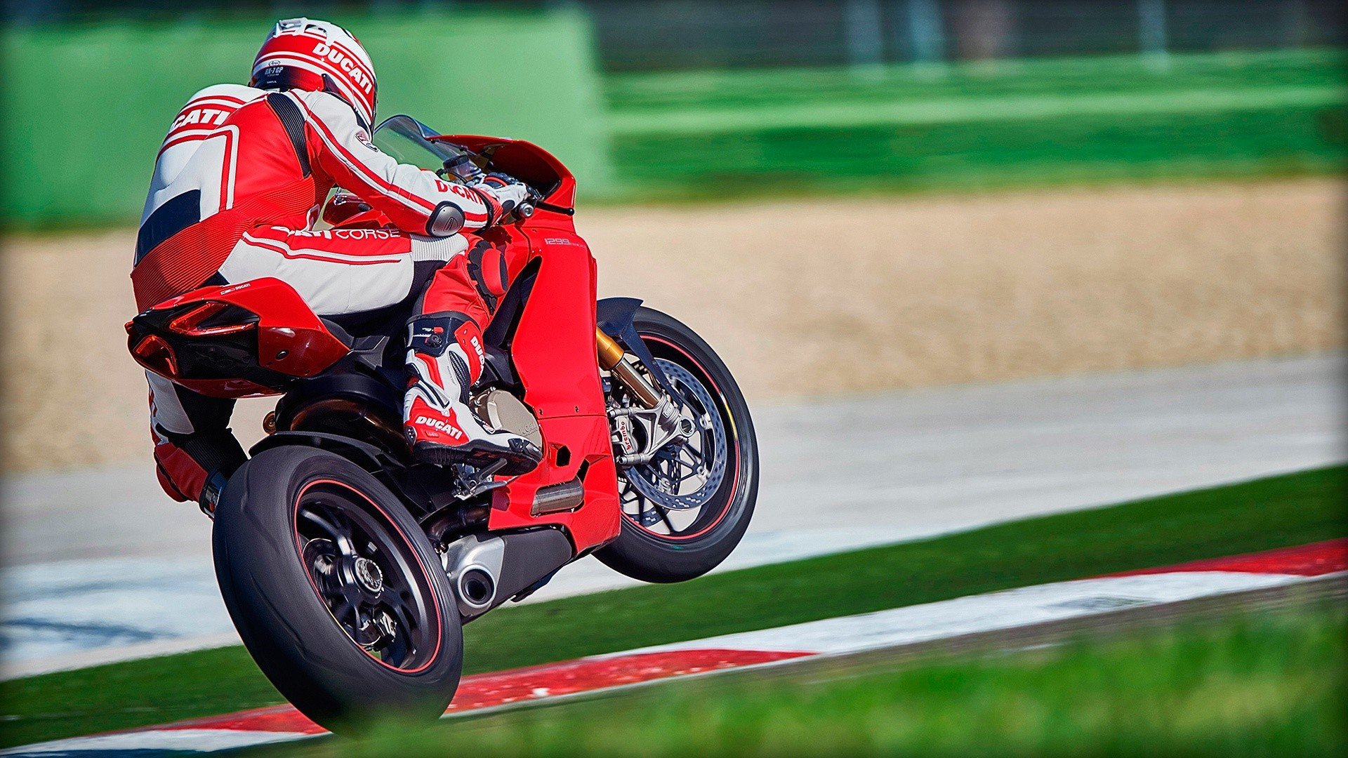 Ducati 1299 Panigale S 4k Wallpapers: DUCATI Panigale 1299 S Specs