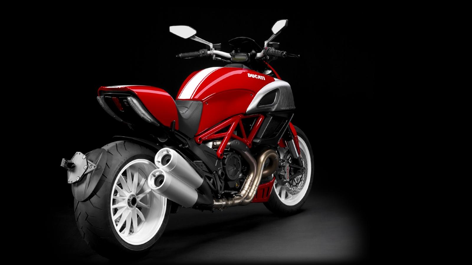 Ducati  Carbon