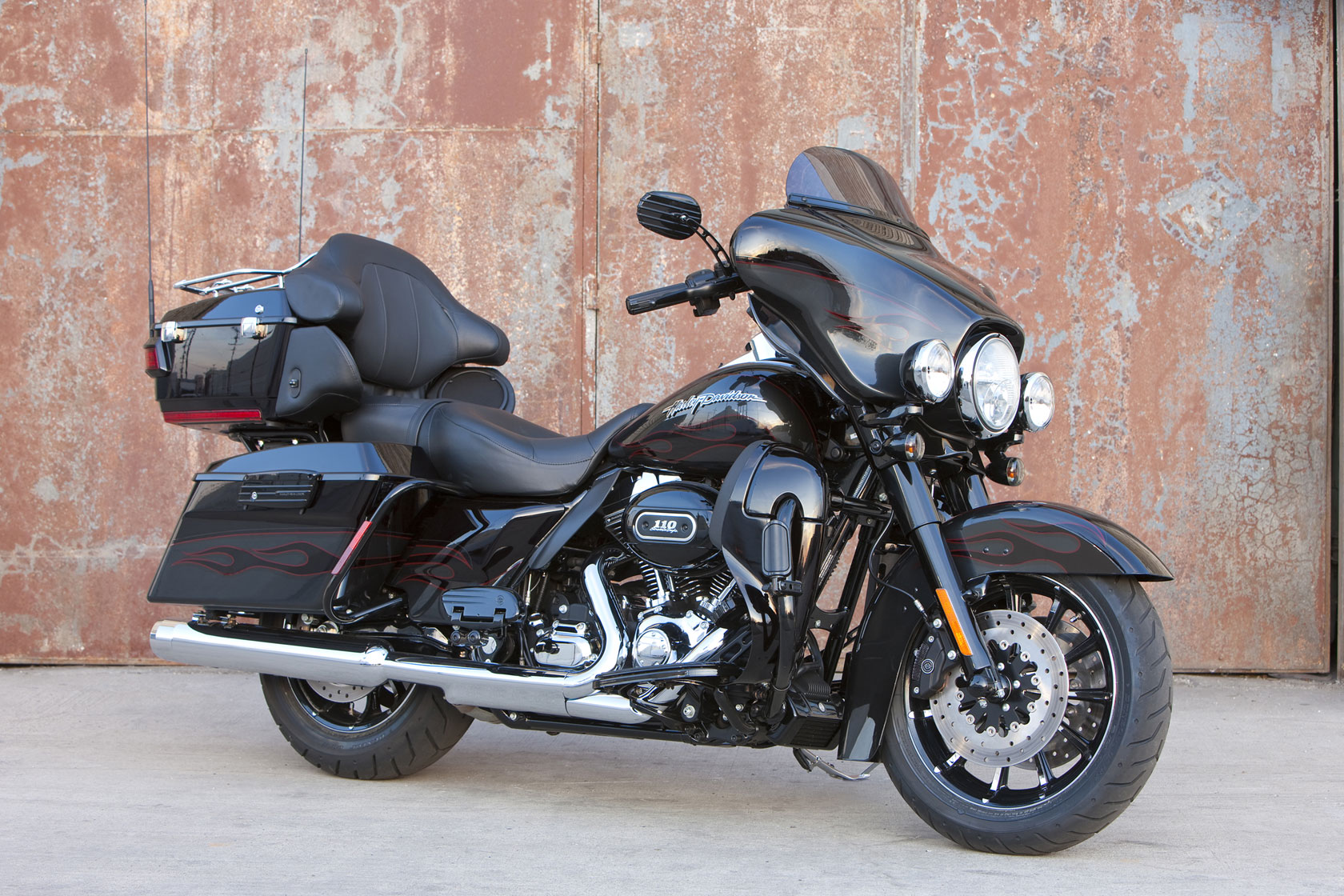 harley davidson cvo ultra classic electra glide dark side limited edition specs 2009 2010. Black Bedroom Furniture Sets. Home Design Ideas