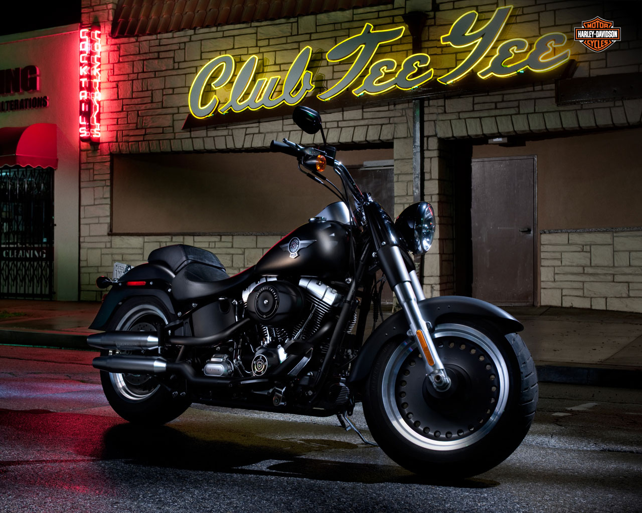 harley davidson fat boy lo 2011 2012 autoevolution. Black Bedroom Furniture Sets. Home Design Ideas