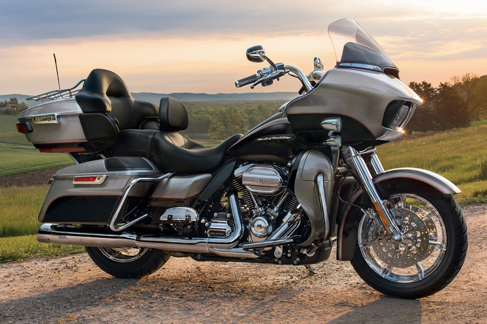 harley davidson road glide ultra specs 2017 2018 autoevolution. Black Bedroom Furniture Sets. Home Design Ideas
