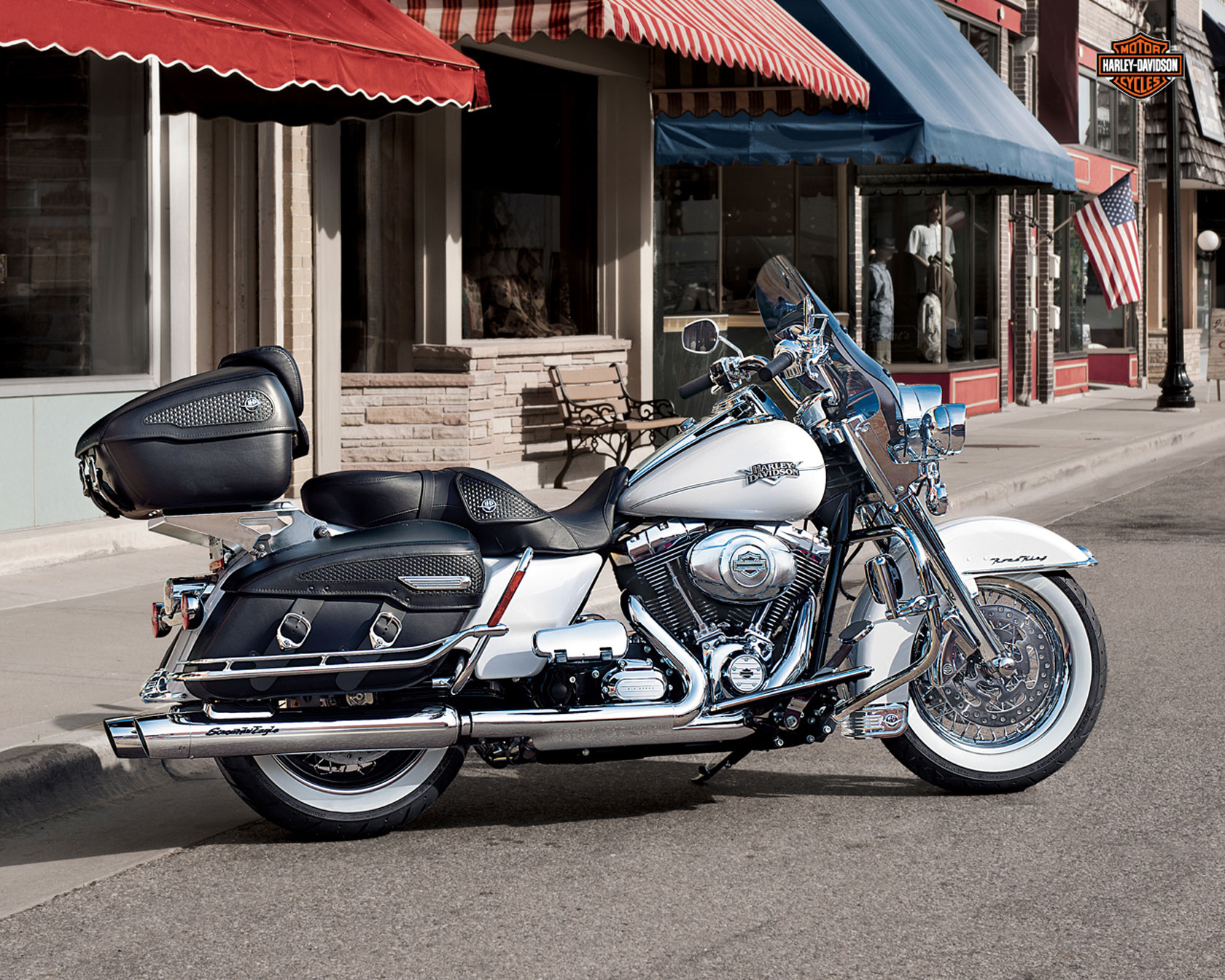 harley davidson road king classic specs 2012 2013 autoevolution. Black Bedroom Furniture Sets. Home Design Ideas