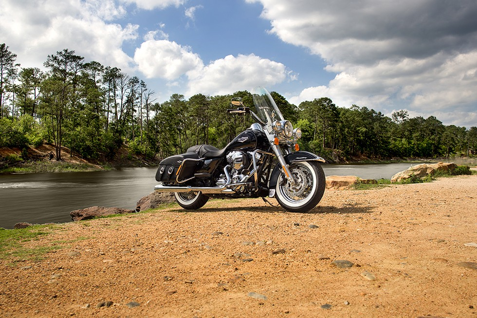 Harley Davidson Road King Classic 2015on Harley Twin Cam 103 Engine