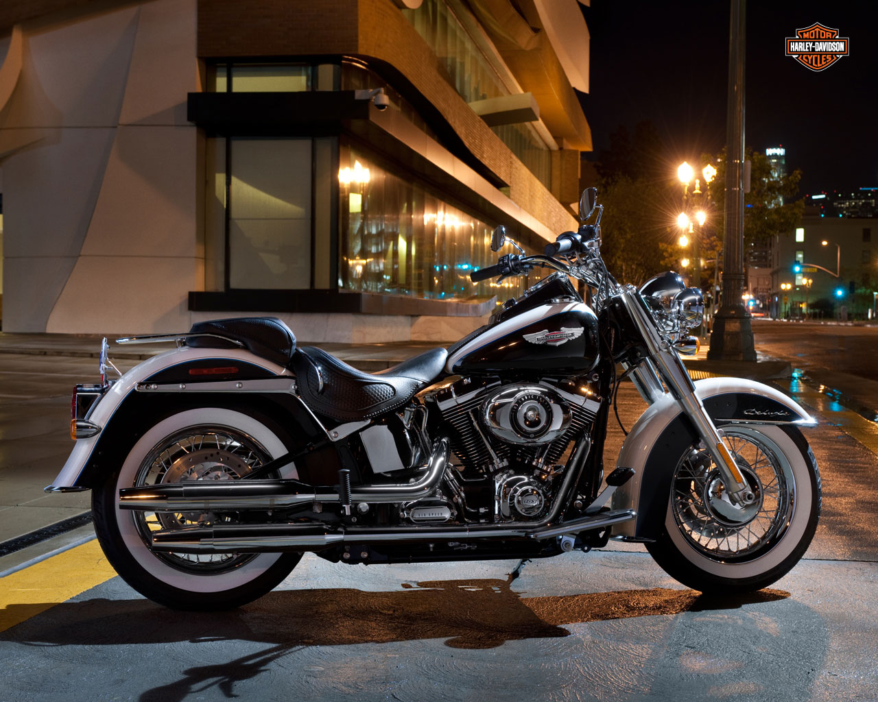 harley davidson softail deluxe specs 2011 2012 autoevolution. Black Bedroom Furniture Sets. Home Design Ideas