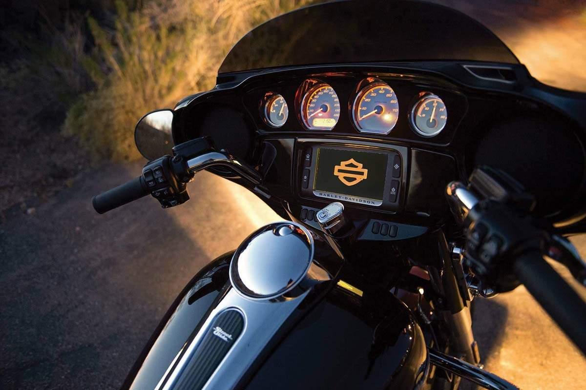 Harley davidson tri glide ultra classic 2014 2015