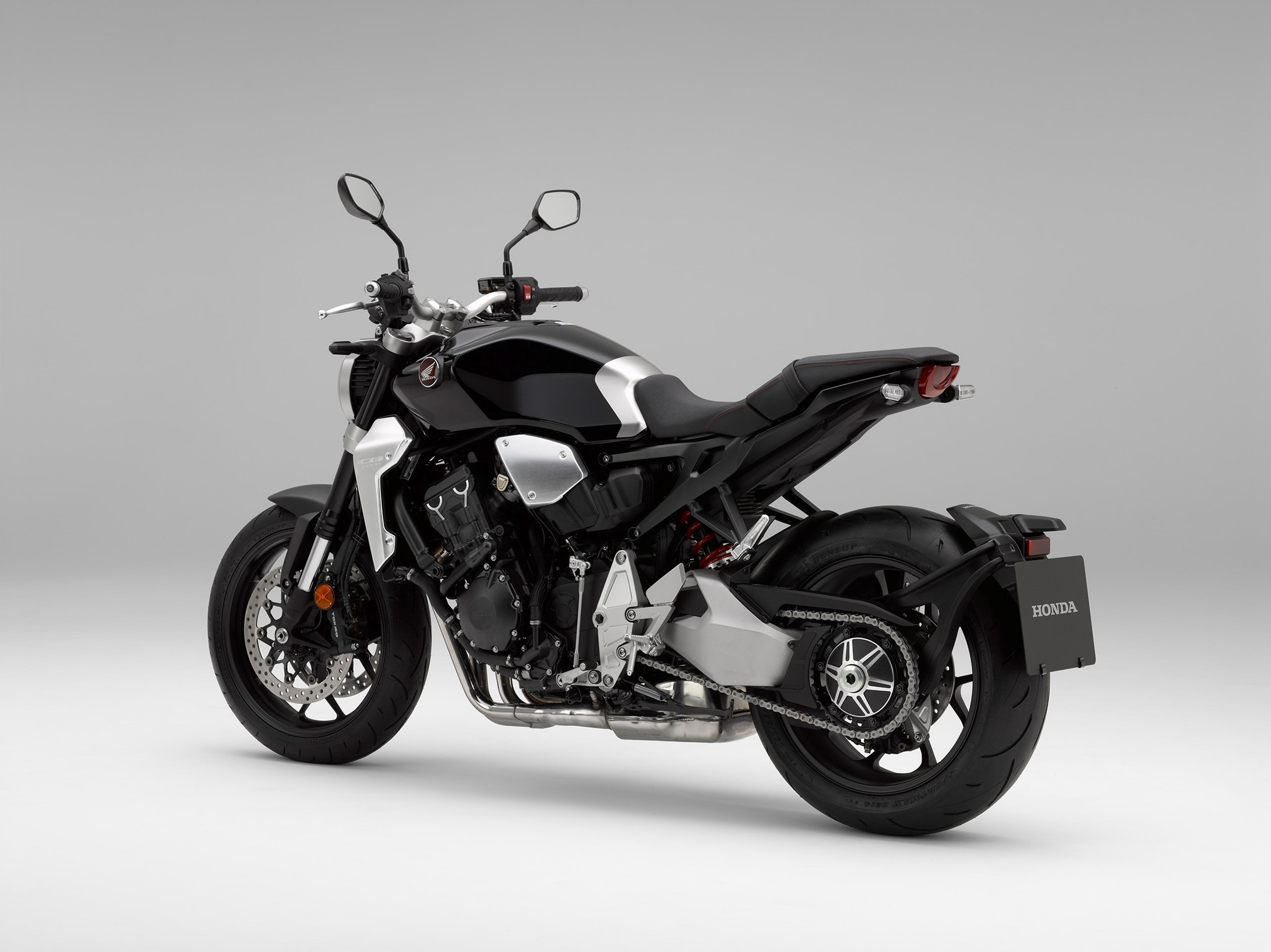 honda cb1000r specs 2018 autoevolution. Black Bedroom Furniture Sets. Home Design Ideas