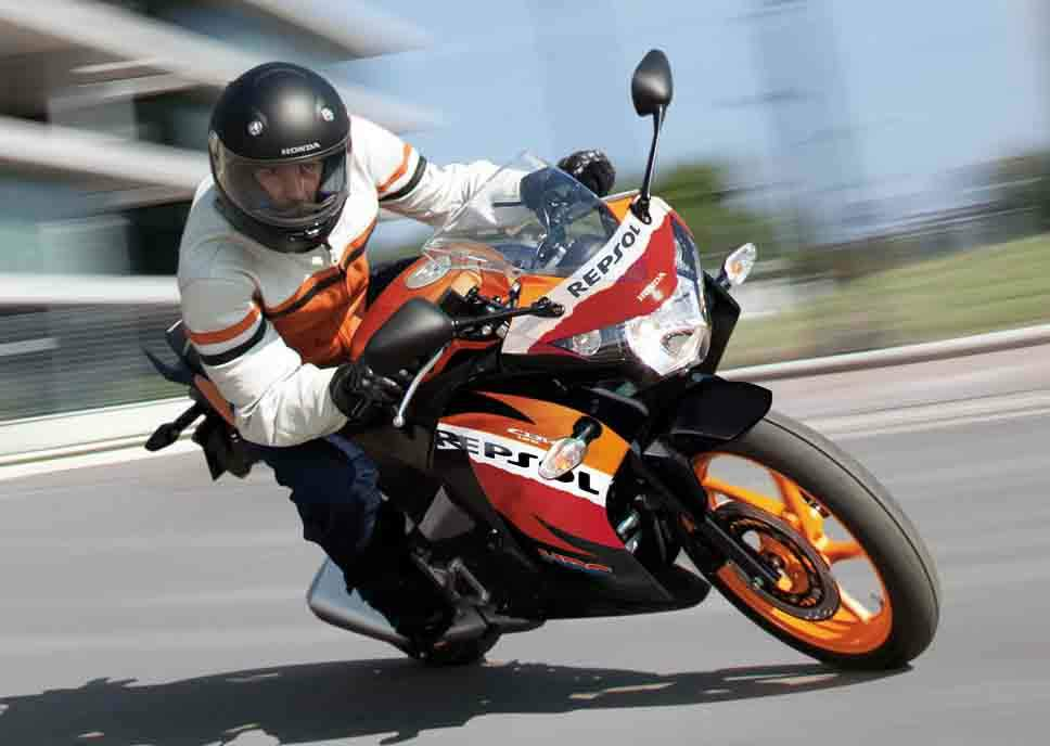honda cbr 125r repsol specs 2012 2013 2014 2015 2016. Black Bedroom Furniture Sets. Home Design Ideas