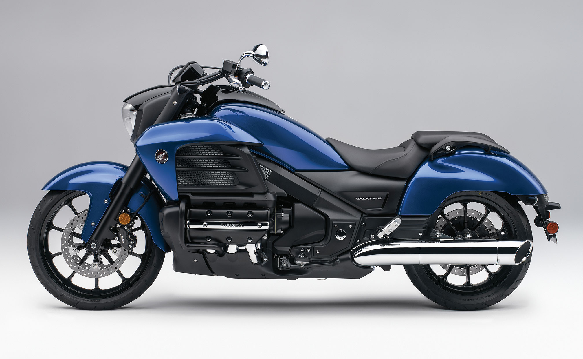 honda gl1800c valkyrie specs 2013 2014 autoevolution. Black Bedroom Furniture Sets. Home Design Ideas