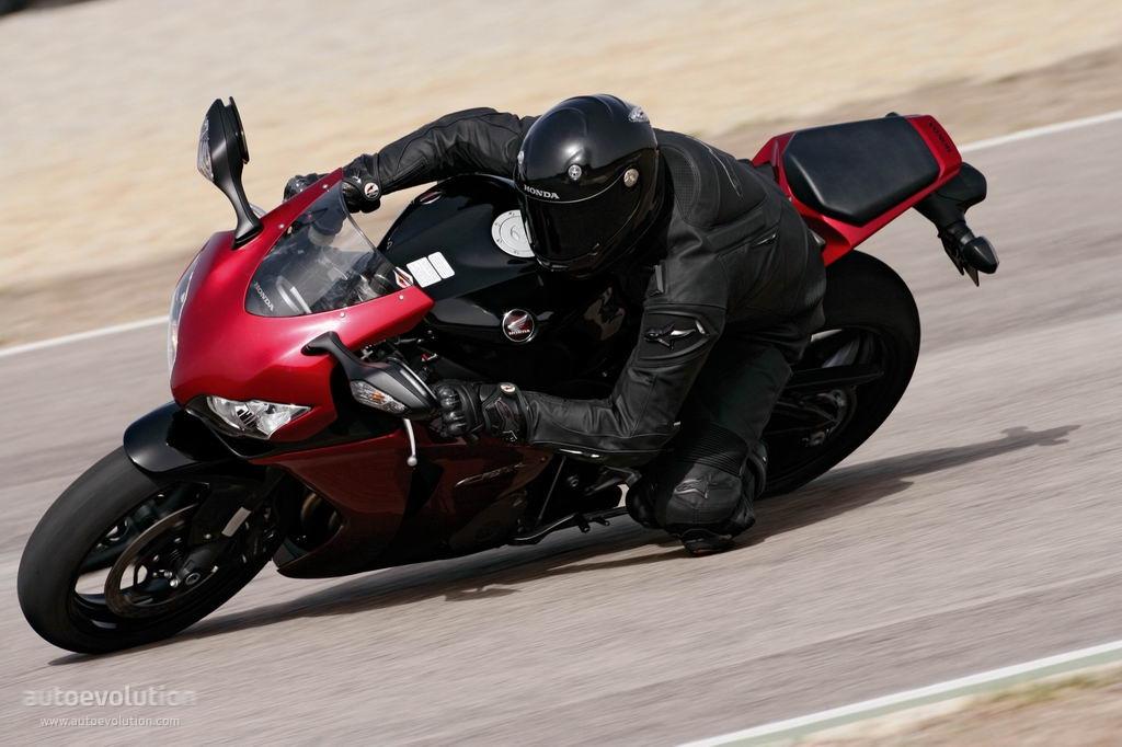 HONDA CBR 1000 RR Fireblade specs - 2008, 2009, 2010, 2011, 2012 ...