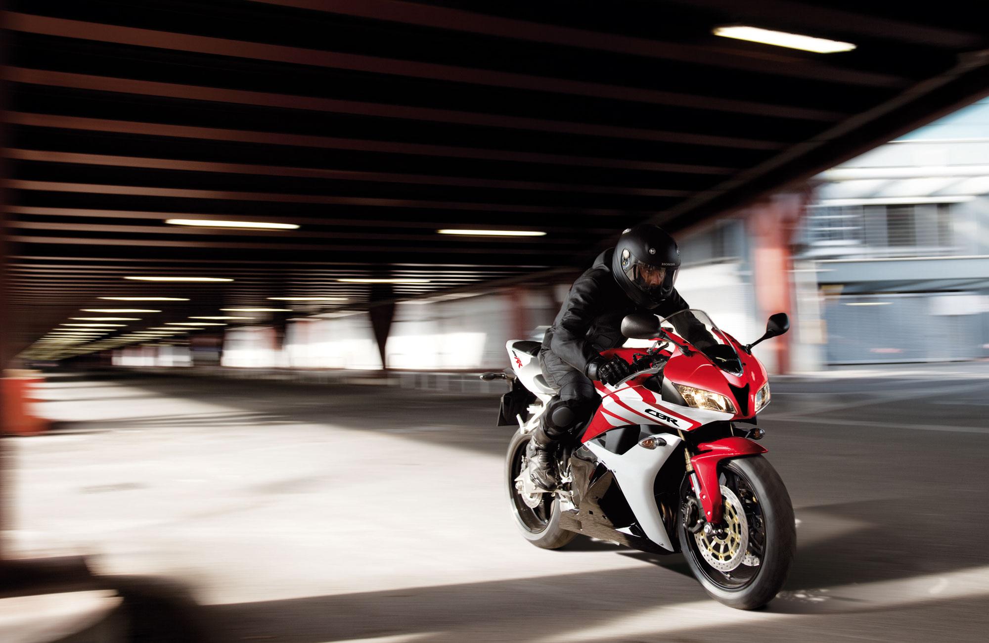2011 honda cbr 600rr all new reviews - Honda Cbr 600 Rr C Abs 2011 2012