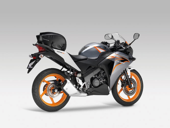 honda cbr125r specs 2011 2012 2013 2014 2015 2016 2017 2018 autoevolution. Black Bedroom Furniture Sets. Home Design Ideas