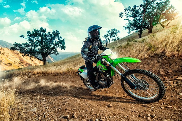 kawasaki klx 250 specs 2018 autoevolution. Black Bedroom Furniture Sets. Home Design Ideas