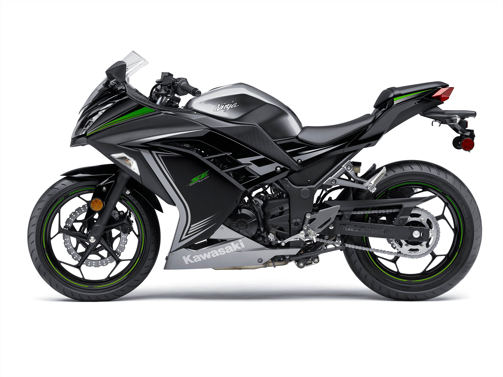 kawasaki ninja 300 special edition 2014 2015 autoevolution. Black Bedroom Furniture Sets. Home Design Ideas