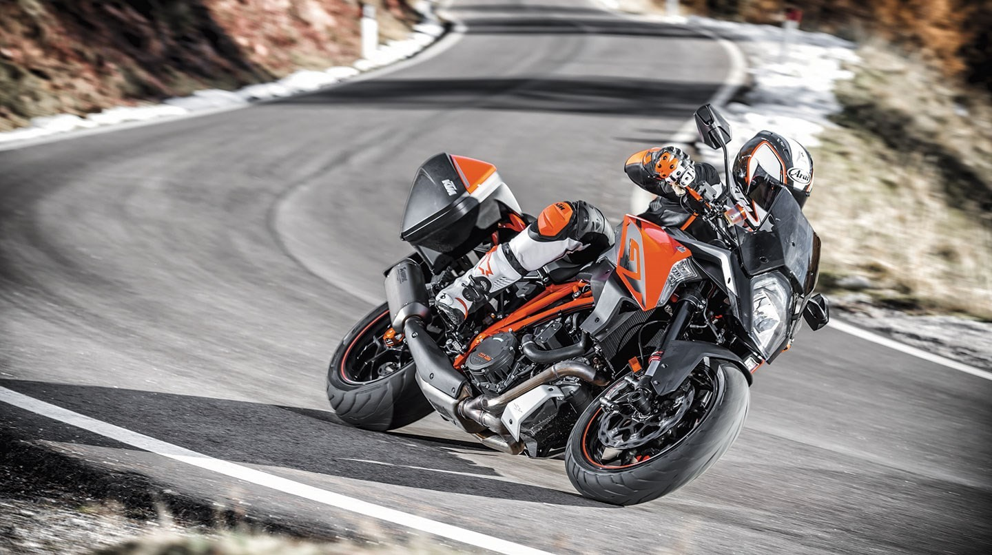 ktm 1290 super duke gt specs 2016 2017 2018. Black Bedroom Furniture Sets. Home Design Ideas