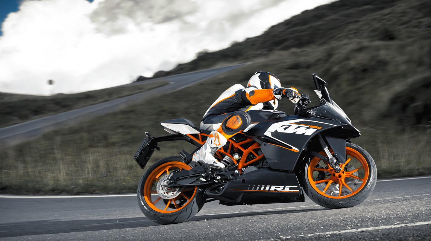 Ktm Rc 200 2016 on 4 cylinder race car