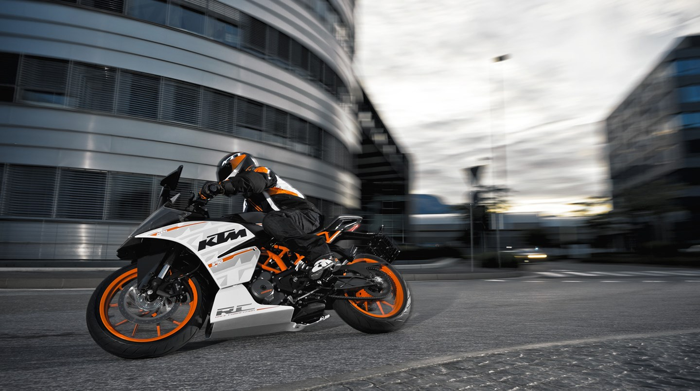 ktm rc 390 specs 2016 2017 2018 autoevolution. Black Bedroom Furniture Sets. Home Design Ideas