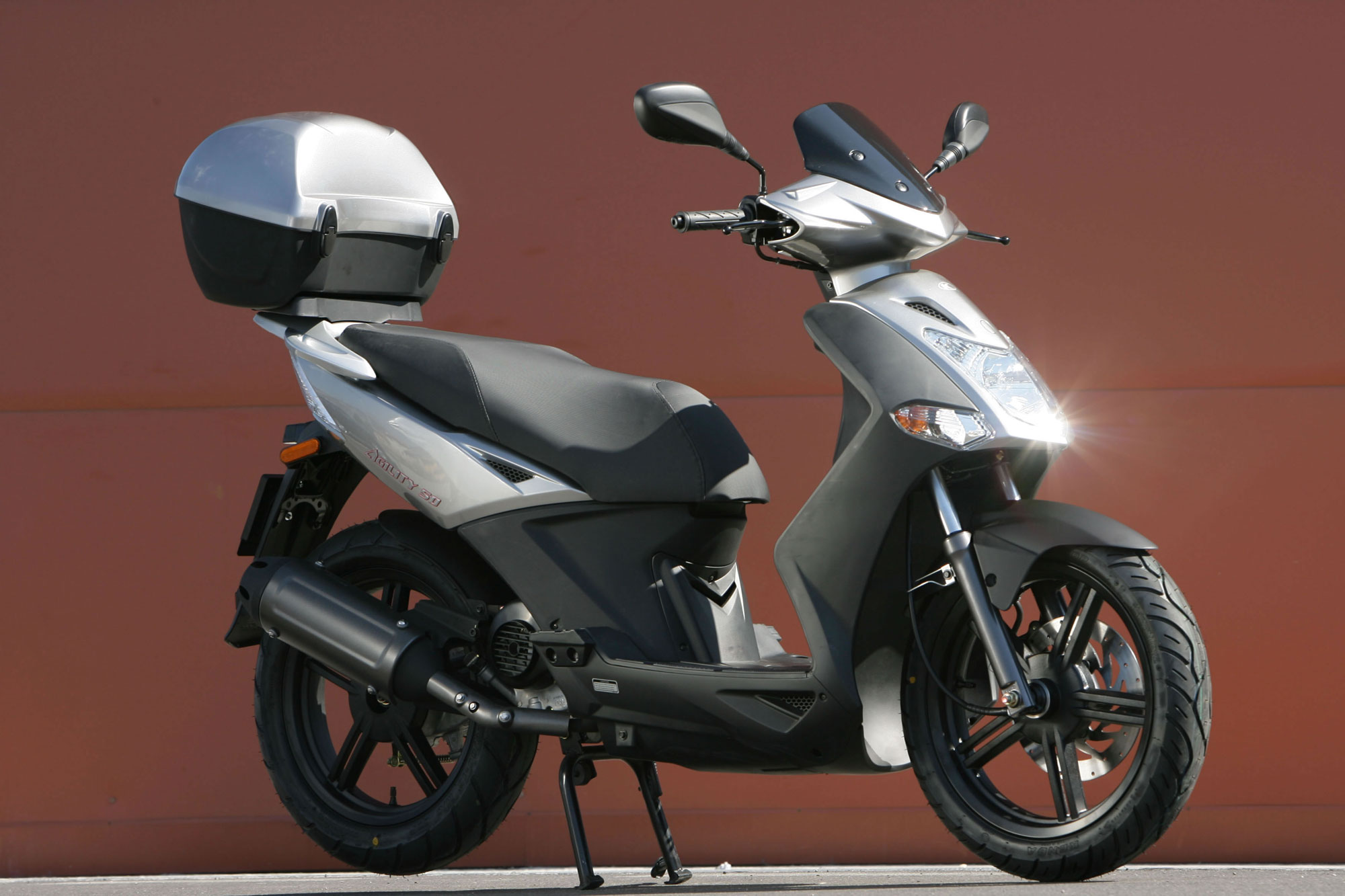 kymco agility city 50 4t specs 2011 2012 autoevolution. Black Bedroom Furniture Sets. Home Design Ideas