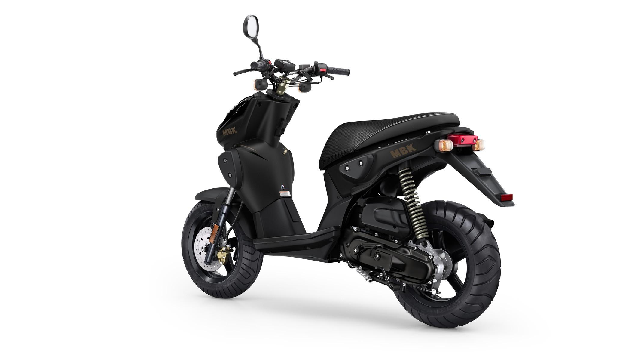 2009 MBK Stunt Naked - Moto.ZombDrive.COM