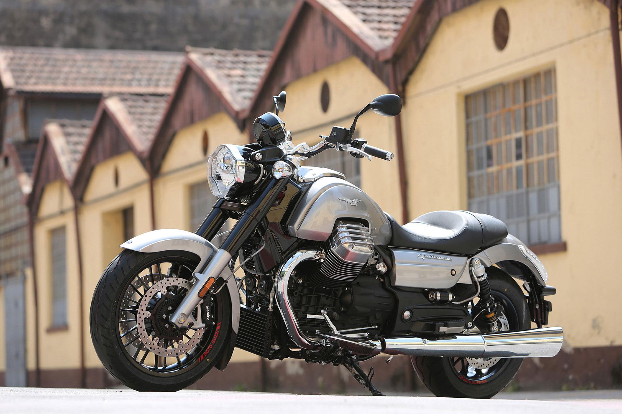 moto guzzi california 1400 custom 2014 2015 autoevolution. Black Bedroom Furniture Sets. Home Design Ideas