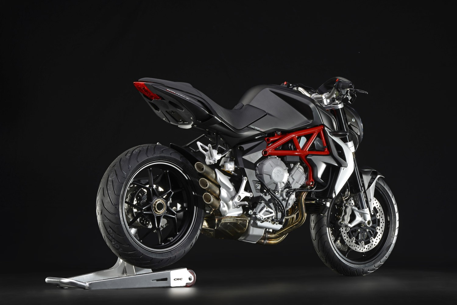 mv agusta brutale 675 specs 2016 2017 2018 autoevolution. Black Bedroom Furniture Sets. Home Design Ideas