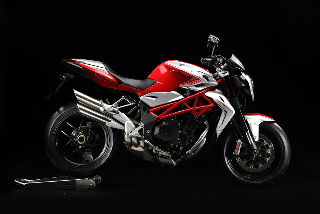 mv agusta brutale 1090 rr specs 2011 2012 autoevolution. Black Bedroom Furniture Sets. Home Design Ideas