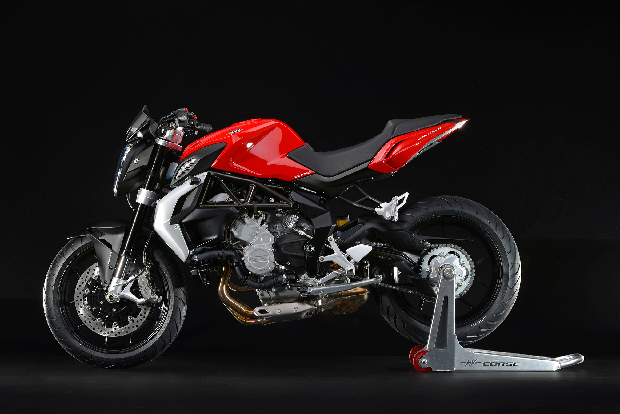 mv agusta brutale 675 specs 2014 2015 autoevolution. Black Bedroom Furniture Sets. Home Design Ideas
