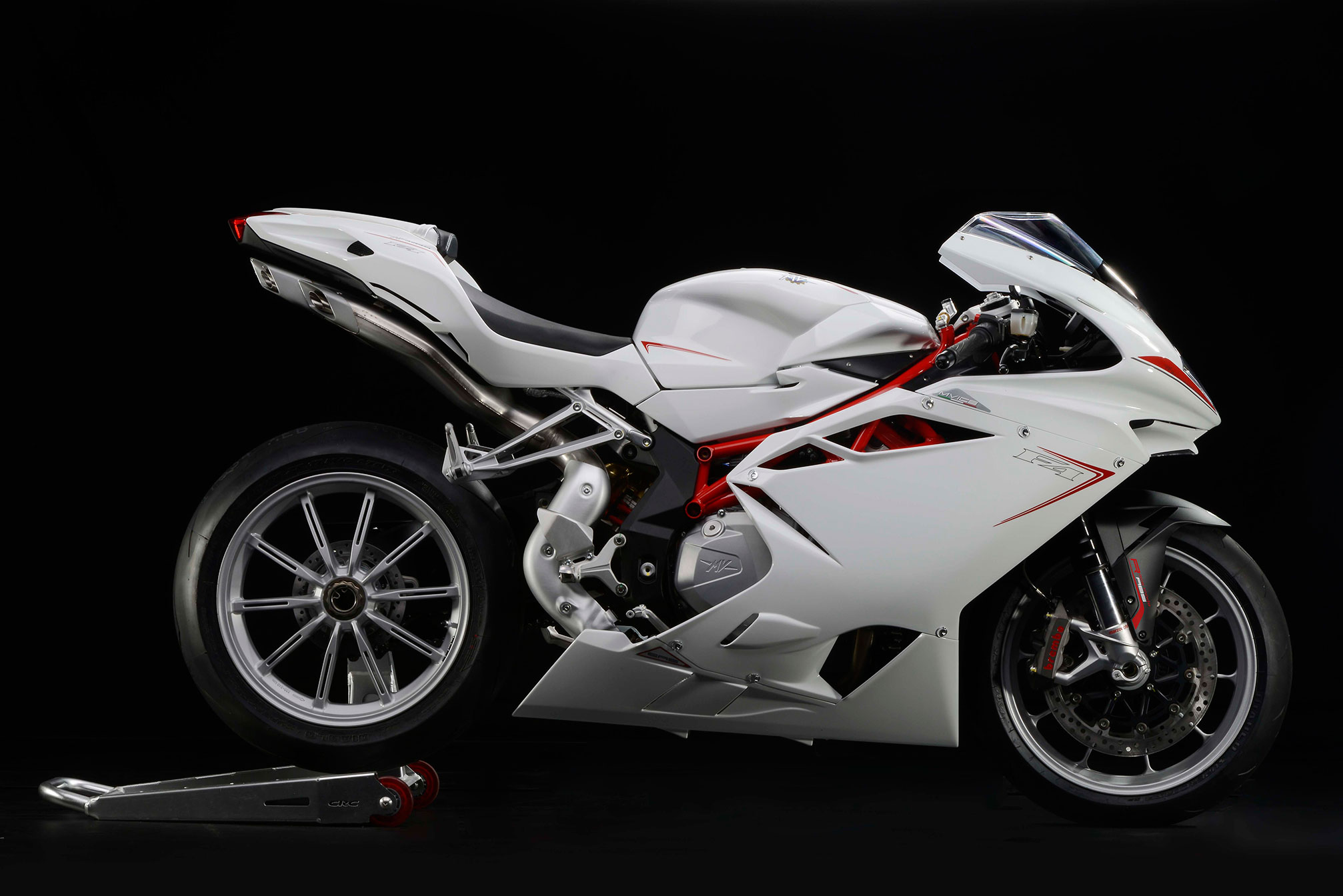 mv agusta f4 specs 2013 2014 autoevolution. Black Bedroom Furniture Sets. Home Design Ideas