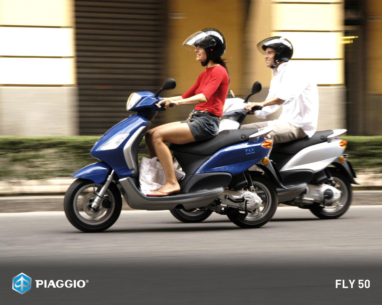 piaggio fly 50 specs 2010 2011 autoevolution. Black Bedroom Furniture Sets. Home Design Ideas