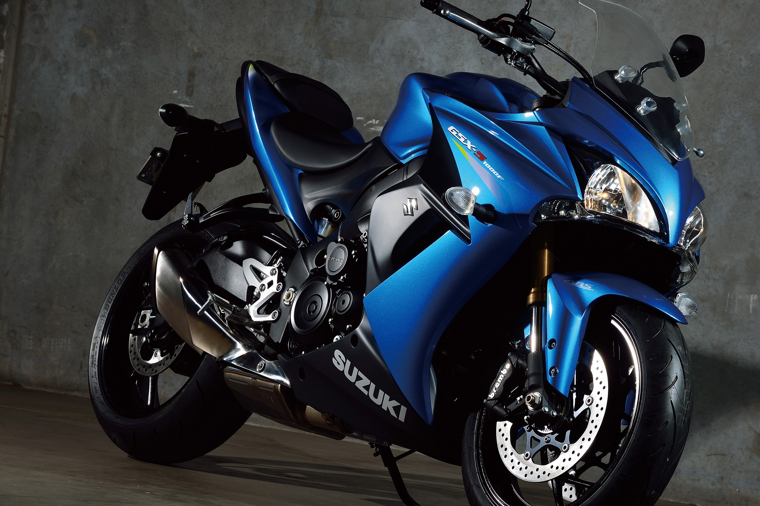 suzuki gsx s1000f abs specs 2016 2017 2018 autoevolution. Black Bedroom Furniture Sets. Home Design Ideas