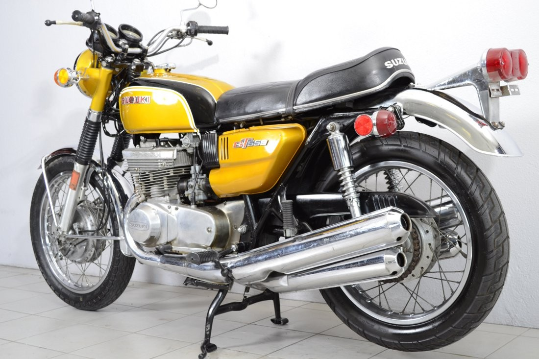 suzuki gt 550j specs 1970 1971 autoevolution. Black Bedroom Furniture Sets. Home Design Ideas