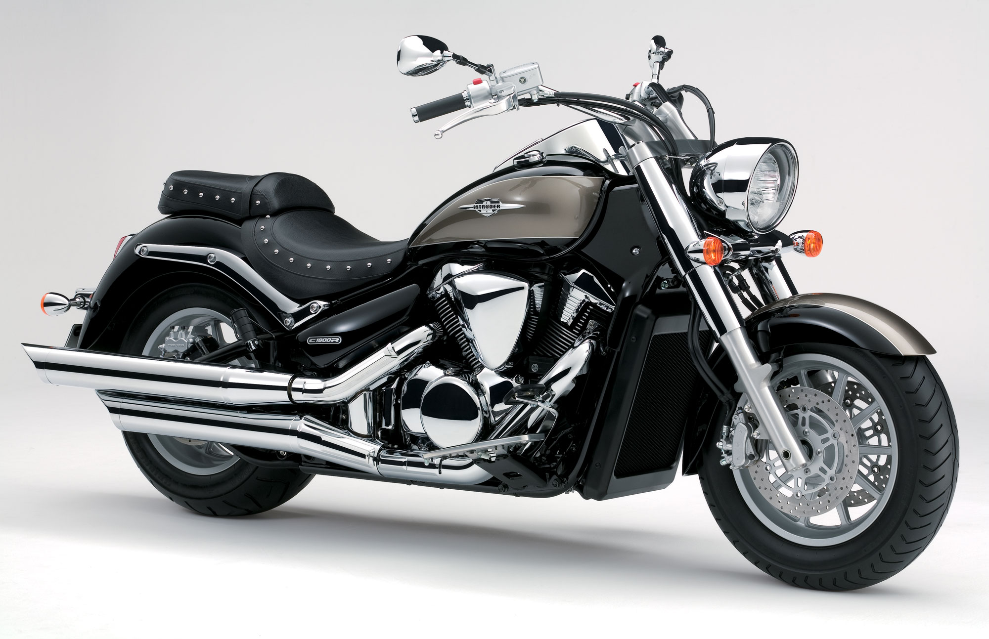suzuki intruder c1800r specs 2011 2012 autoevolution. Black Bedroom Furniture Sets. Home Design Ideas