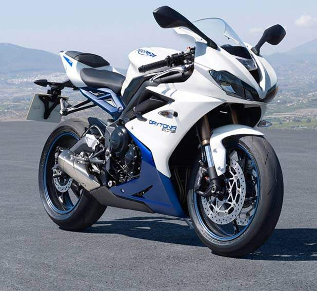 triumph daytona 675 specs 2014 2015 autoevolution. Black Bedroom Furniture Sets. Home Design Ideas