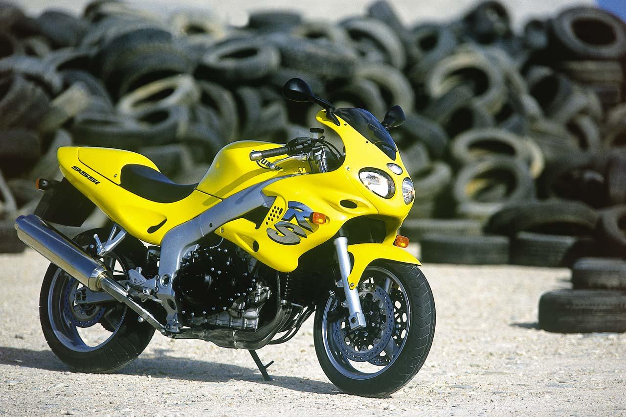 ... TRIUMPH Sprint RS (2001 - 2002) ...