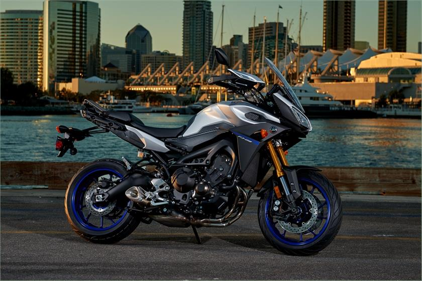 2016 Yamaha FJ-09 Motorcycle   Sport Touring   Vernon   Kijiji