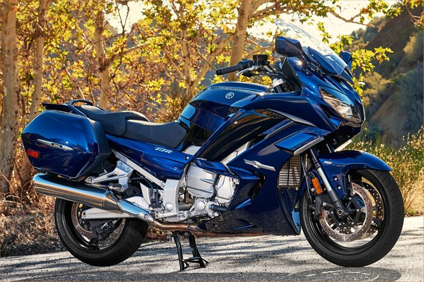yamaha fjr 1300es specs 2016 2017 autoevolution. Black Bedroom Furniture Sets. Home Design Ideas