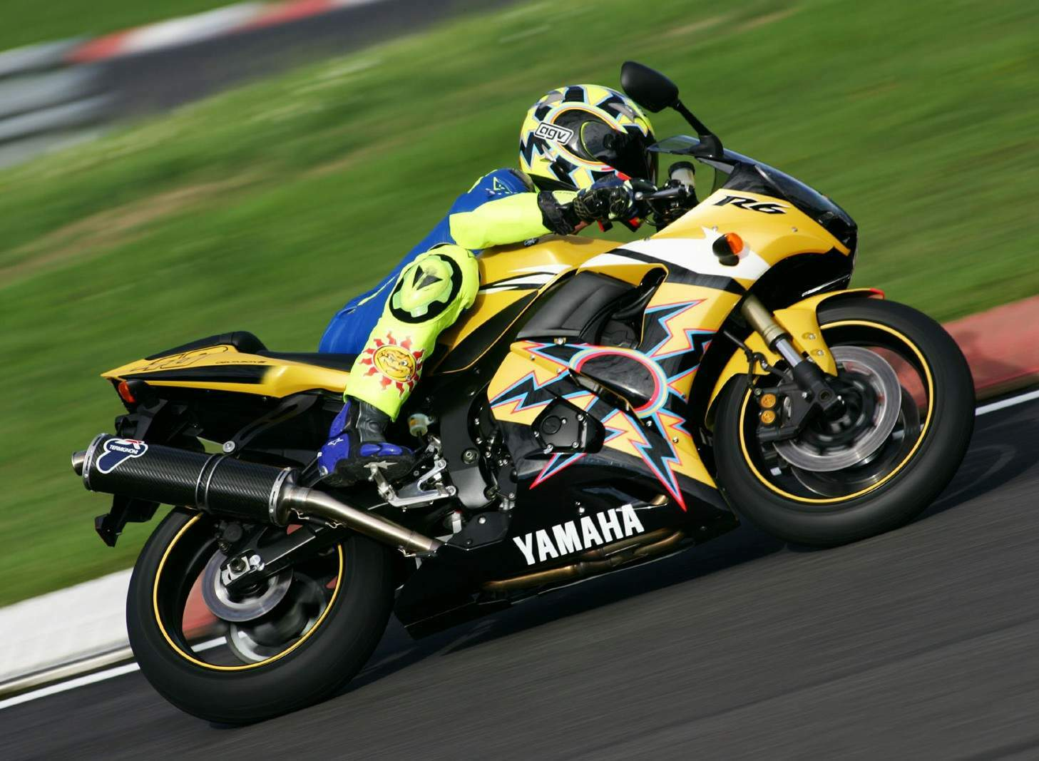yamaha yzf 600 r6 rossi r46 specs 2005 2006. Black Bedroom Furniture Sets. Home Design Ideas