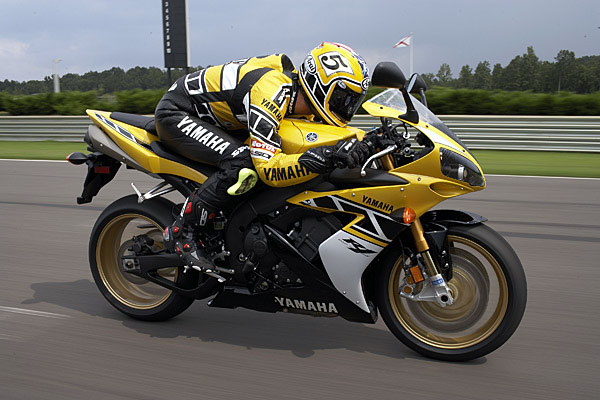 Yamaha yzf r1 le us edition specs 2005 2006 autoevolution for 2006 yamaha r1