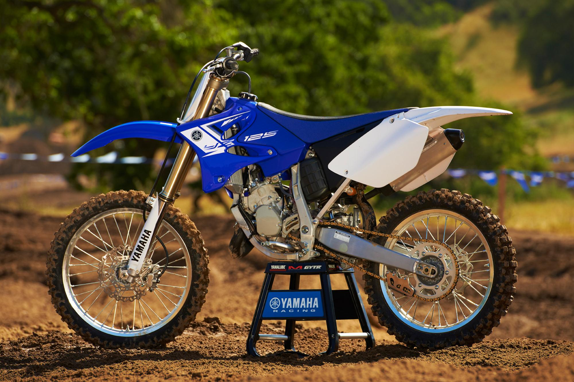 yamaha yz125 specs 2012 2013 autoevolution. Black Bedroom Furniture Sets. Home Design Ideas