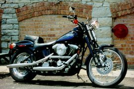 HARLEY DAVIDSON FXSTSB Bad Boy