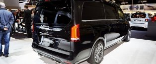 'Brabus Sprinter and V-Class Fill the Luxury Van Gap in Frankfurt' from the web at 'http://s1.cdn.autoevolution.com/images/news-314/brabus-sprinter-and-v-class-fill-the-luxury-van-gap-in-frankfurt-live-photos-100011-7.jpg'