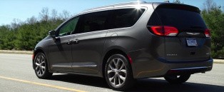 consumer reports reviews the 2017 chrysler pacifica reliability is debatable. Black Bedroom Furniture Sets. Home Design Ideas