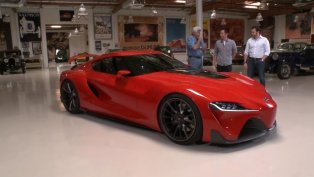 jay leno giving a tour of the toyota ft 1 concept video. Black Bedroom Furniture Sets. Home Design Ideas
