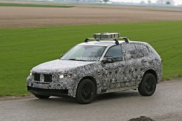 2018 bmw x5 shows its plus size, hauls heavy weight on