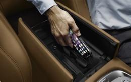 BMW Introduces Retrofit Wireless Charging Kit - autoevolution
