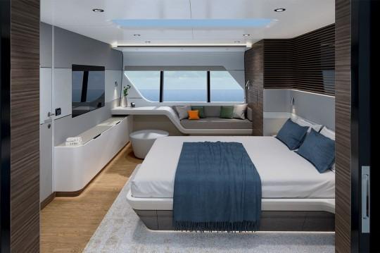 Dévoilé en 2021, le yacht CLX96 domine par le design et le luxe