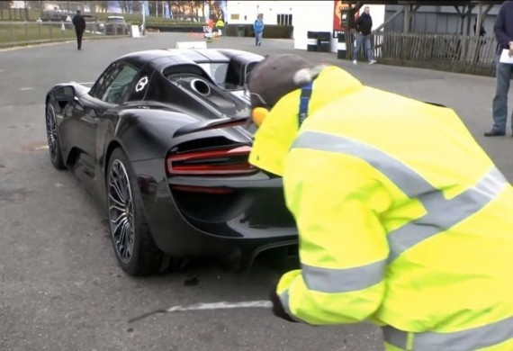 porsche 918 spyder too loud for a track day testers can 39 t. Black Bedroom Furniture Sets. Home Design Ideas