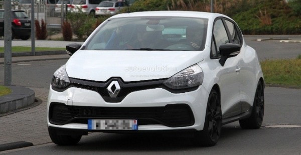 2013 renault clio iv rs 210 spotted undisguised in white - autoevolution