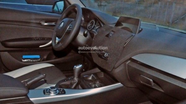 2015 Bmw 1 Series Facelift Interior Spied With A New Idrive