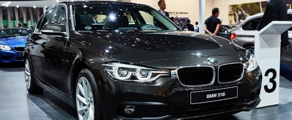 2016 BMW 3 Series Facelift Debut Celebrated with 3Cylinder Engine
